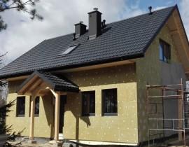 Jak ocieplić dom drewniany? Poznaj porady ekspertów